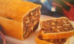 Американский фруктовый хлеб с арахисом