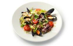 Гарганелли с морепродуктами и спаржей