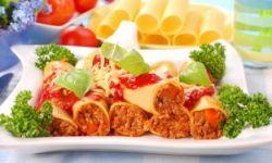 Каннеллони с мясной начинкой и томатным соусом