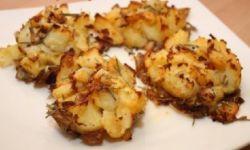 Картофель Crash Hot Potatoes, сваренный и запеченный