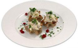Мини-калитки с салатом из норвежской сельди
