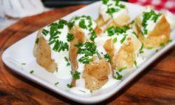 Молодой картофель с лимонно-мятной заправкой
