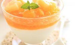 Паннакота с манговым пюре