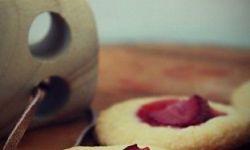Песочное печенье с клубникой