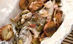 Рыба с луково-чесночным гарниром