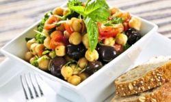 Салат из фасоли с оливками