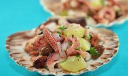 Салат из осьминога и авокадо с кускусом