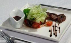 Салат с сочной телятиной