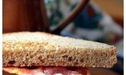 Сэндвич с беконом и дыней