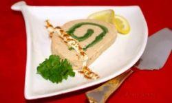 Суфле-рулет из красной рыбы с омлетом
