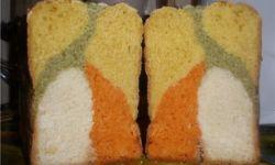 Трехцветный хлеб с печеным болгарским перцем