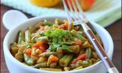 Зеленая стручковая фасоль с томатами