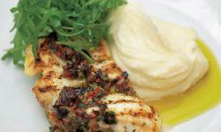 Жареная рыба под оливковым соусом