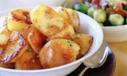 Жареный картофель с лимоном и тимьяном